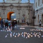 """Sute de gulguțe au luminat, ca-n povești, Cetatea Alba Carolina cu ocazia """"Festivalului Luminii"""" 2016"""