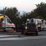Două persoane rănite grav, în urma unei coliziuni între două autoturisme și un moped, petrecută la intersecția dintre șoseua de centură și strada Mărășești, din Alba Iulia