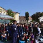 """Peste 200 de elevi din Alba Iulia au asistat astăzi la lansarea celei de-a XI-a ediţii a Campaniei de """"Prevenire a Criminalității"""", derulată de Poliția Română"""
