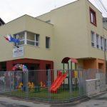 O creșă modernă, cu o capacitate de 60 de locuri, a fost inaugurată astăzi în cartierul Ampoi I din Alba Iulia