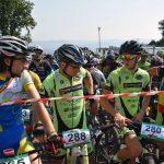 """Peste 200 de concurenți s-au aliniat la startul """"Mamut Bike Race"""" 2016, una dintre cele mai spectaculoase competiții de ciclism"""