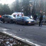 Coliziune între două autoturisme pe Bulevardul Revoluției 1989 din Alba Iulia, peste drum de Spitalul Județean de Urgență