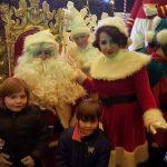 """Concert de colinde şi multe cadouri pentru cei mici în cadrul spectacolului """"Crăciunu' din 21"""", desfășurat în Piața Cetății din Alba Iulia"""