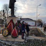 Sărbătorirea Zilei Naționale a României la Alba Iulia a început cu depuneri de coroane și jerbe de flori la statuile iluștrilor noștri înaintași