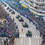 1 Decembrie 2016 – Mașini blindate, tancuri și autospeciale, în defilare pe Bulevardul 1 Decembrie 1918 din Alba Iulia