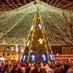 Concert de colinde tradiționale și spectacol de dans cu Moș Crăciun și Crăciunițe, în Parcul Sărbătorilor de Iarnă din Alba Iulia