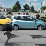 Coliziune între trei autoturisme, în zona Bazinului Olimpic din Alba Iulia