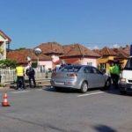 Un biciclist a fost rănit grav de un autoturism, la intrarea in cartierul Micești din Alba Iulia