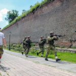 """Cetatea Alba Carolina transformată în """"teatru de război"""", la cea de-a II-a ediție de Adventure Airsoft Contest de la Alba Iulia"""