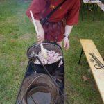 Demonstrație culinară în încheierea celei de-a V-a ediții a Festivalului Roman Apulum, de la Alba Iulia
