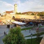 """Începând de astăzi și până duminică """"Street Food-ul"""" pune stăpânire pe Cetatea """"Alba Carolina"""" din Alba Iulia"""