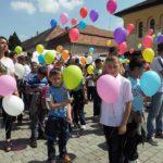 Dansul Bucuriei în Cetatea din Alba Iulia – cel mai mare flashmob realizat de copii în România