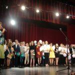 """Cu prilejul încheierii anului școlar 2016-2017, elevii și dascălii Şcolii """"Avram Iancu"""" din Alba Iulia au realizat un eveniment de o înaltă ținută, la Casa de Cultură a Studenților"""