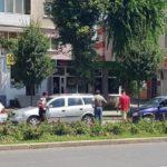 Trei autoturisme au intrat în coliziune pe Bulevardul Revoluției 1989, din Alba Iulia