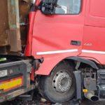 O persoană a fost rănită, după un impact petrecut pe DN 1 între un autocamion şi o autobasculată