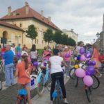 Zeci de bicicliști, participanți la cea de-a V-a ediție a Skirt Bike, au adus bucuria în Cetatea Alba Carolina din Alba Iulia
