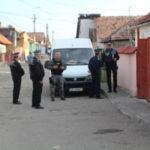 """Acţiune cu efective mărite a polițiștilor și jandarmilor în cartierul """"Lumea Nouă"""", din Alba Iulia"""
