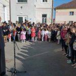 """Atmosferă de sărbătoare şi emoţii pentru elevii Liceului de Arte """"Regina Maria"""", din Alba Iulia, la deschiderea noului an școlar 2017-2018"""