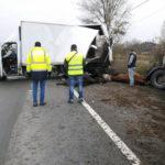 O persoană a fost rănită în urma unui accident în care au fost implicate trei autocamioane, pe șoseaua de centură a municipiului Alba Iulia