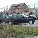 Coliziune între trei autovehicule, pe șoseaua de dentura a municipiului Alba Iulia la intersecția dintre strada Mărășești și drumul care duce la Drâmbar
