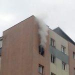 Intervenție a pompierilor militari din Alba Iulia pentru stingerea unui incendiu izbucnit la un apartament dintr-un bloc situat pe Bulaverdul Transilvaniei