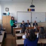 """Tânărul scriitor Petre Paul și-a prezentat la Școala Gimnazială """"Mihai Eminescu"""" din Alba Iulia, cel de-al doilea roman – """"Un cerc vicios"""""""