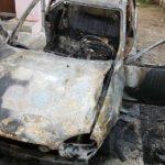 Un bărbat a murit carbonizat după ce autoturismul în care se afla a luat foc în curtea bisericii reformate din Ighiu