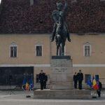 Depuneri de coroane la statuia lui Mihai Viteazul, cu prilejul sărbătoririi a 418 ani de la intrarea triumfală a acestuia în Alba Iulia