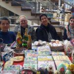 """Expoziție de obiecte hand-made cu tematică pascală realizate de persoanele cu handicap de la Centrul """"Sfântul Meletie"""" din Alba Iulia"""