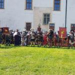 Festivalul Roman Apulum – 2018 a fost deschis oficial cu o ceremonie și o paradă a războinicilor romani și daci