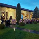 Astăzi, 6 aprilie 2018, în Vinerea Mare sute de credincioși au înconjurat Catedrala Reîntregirii din Alba Iulia