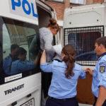 """Femeie de 41 de ani din județul Constanța reținută de polițiști, după ce a înșelat un bărbat de 75 de ani din Alba Iulia prin metoda """"accidentul"""""""