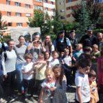 """Jandarmii albaiulieni în vizită la Grădinița """"Dumbrava Minunată"""" din Alba Iulia"""