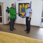 Un bărbat de 36 de ani din Alba Iulia a dat dovadă de spirit civic şi a predat polițiștilor un portofel cu acte si bani, găsit pe strada Mitropolit Simion Ştefan
