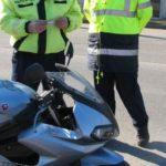 Dosar penal pentru un tânăr de 21 de ani ani Ighiu, după ce a fost surprins la Șard în timp ce conducea o motocicletă fără a avea permis