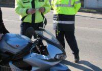 Tânăr de 29 de ani din Alba Iulia cercetat de polițiști, după ce a fost surprins în timp ce conducea fără permis o motocicletă pe strada Mureșului