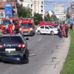 O a fost persoană rănită după o coliziune între două autoturisme, petrecută în sensul giratoriu de pe Calea Moților din Alba Iulia