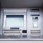 Dosar penal pentru o femeie de 45 de ani din Ciugud, după ce și-a însușit suma de 300 de lei uitată într-un bancomat de către o persoană