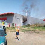 Intervenție a pompierilor militari pentru stingerea unui incendiu izbucnit la magazinul Pepco din Alba Iulia