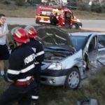 Doua persoane rănite în urma coliziunii între două mașini, petrecută pe DJ 107C la Drâmbar