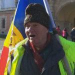 Un român din Republica Moldova a mers pe jos 500 de kilometri ca să fie prezent de Centenarul Marii Uniri la Alba Iulia