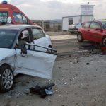 Coliziune între două autoturisme pe șoseaua de centura a municipiului Alba Iulia. Două persoane au ajuns la spital