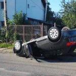 Femeie de 58 de ani din Alba Iulia rănită, după ce s-a răsturnat cu mașina la intersecția străzilor Goldiș și Iederii